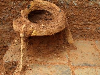 特别是采用榫卯结构砖来加强墓室的牢固性在省内同期