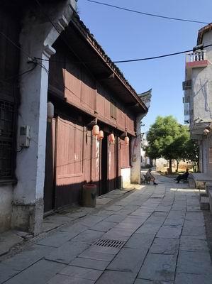 图二  聂市古建筑群街道