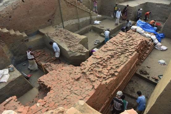 纳提什瓦遗址神殿2的北墙发掘现场.JPG